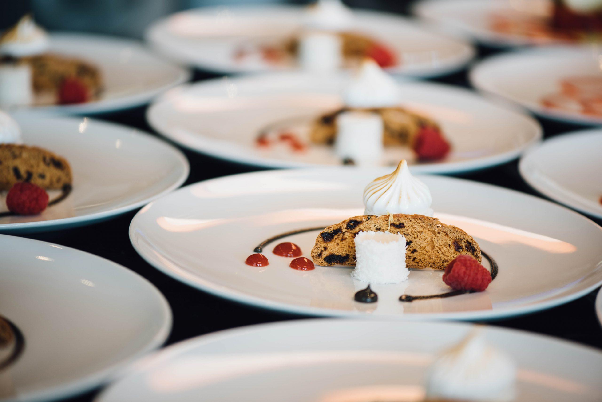 Laat je smaakpapillen tintelen: drie-sterren restaurants in Nederland